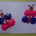 Korkendruckbild mit Schmetterlingen